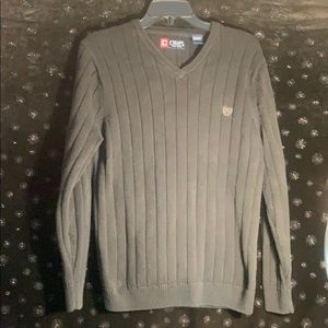 CHAPS v-neck Sweater size small